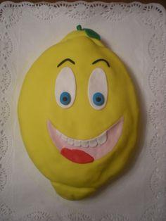 Tarta de bizcocho de vainilla rellena de crema de limón, para el grupo Los Limones!