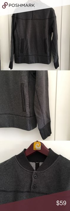 Lululemon Men's Gray Pullover Sweatshirt Size S Pre-owned authentic Lululemon Men's Gray Pullover Sweatshirt Size S. Excellent condition. Please look at pictures for better reference. Happy Shopping! lululemon athletica Sweaters