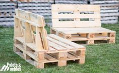 Handmade Pallet Furniture For Sale Pallet Furniture Designs, Pallet Garden Furniture, Diy Pallet Sofa, Diy Outdoor Furniture, Diy Pallet Projects, Diy Furniture, Pallet Lounge, Pallet Walls, Small Balcony Decor
