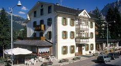 Hotel Villa Alpina - 3 Star #Hotel - $113 - #Hotels #Italy #Cortinad'Ampezzo http://www.justigo.com.au/hotels/italy/cortina-dampezzo/villa-alpina_178966.html