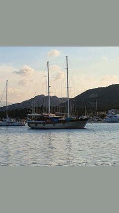 Sailing Cruises, Sailing Ships, Cruise Italy, Sailing Holidays, Old Boats, Victoria, France, Luxury Yachts, Boutique