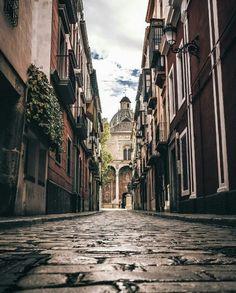 Granada #Spain Photo: @juliozitro #xt2 . . Keep tagging #Fujifilmglobal ___________________________ #Fujifilm #fuji #fujinon #photographer #igers #mirrorlessrevolution #Asia #Europe #America #Africa #Australia #fujixseries #ig_street #chasinglight #potd #ig_daily #instagrammers #ig_today #life #light #city #light #shadow #travel via Fujifilm on Instagram - #photographer #photography #photo #instapic #instagram #photofreak #photolover #nikon #canon #leica #hasselblad #polaroid #shutterbug…