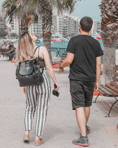 Acum 2 ani am fost in Malta de ziua mea. Cred ca va amintiti. E toata plecarea pe youtube oricum. Ne-am gandit si acum la malta: si eu, si Eugen si Stefana 🤣 pe Andrei inca nu l-am intrebat, dar sigur si el s-a gandit ca daca tot e o telepatie.. macar sa fie cum trebuie 😅  @stefanateodoroiu #friends #travel #igtravel #malta #birthdaygirl #birthmonth #missthis #soon