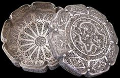 Batavian or Chinese Silver Lotus-Form Filigree Box & Cover - Michael Backman Ltd Silver Filigree, Antique Silver, Antique Jewelry, Gold Jewelry, Jewel Tone Wedding, Filigree Design, Gold Box, Covered Boxes, Jewel Tones
