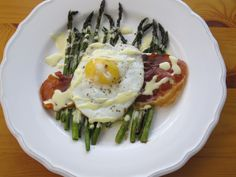 Roasted Asparagus & Prosciutto with Blender Hollandaise