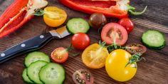 Le indicazioni alimentari nascondono confilitti di interesse. Dalla piramide italiana alla trottola giapponese ecco dove le industrie mettono mano