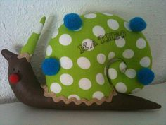 Escargot M. Pompon  - décoration pour enfants - Amandine-nougatine atelier - Fait Maison
