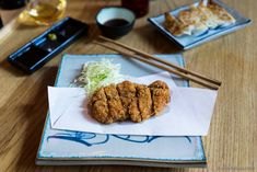 Discover the authentic Japanese gastropub Jah Izakaya & Sake Bar in Copenhagen. Enjoy gyoza, tonkatsu, and chicken karaage – all washed down with light beers and sake.