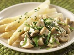 Recepten - Asperges met warme champignonsalade