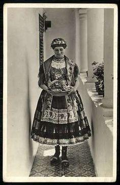 Sárközi népviselet   Képeslapok   Hungaricana Folk Costume, Costumes, Folk Clothing, My Heritage, Wardrobes, Hungary, Vintage Photos, Nice Dresses, Culture