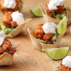 Appetizer Recipes Discover Shrimp Cups With Chunky Avocado Salsa This particular recipe is one of my favourite cause i love when a recipe includes sea foods and healthy fruits. Its easy to make and taste just amazing. Seafood Recipes, Appetizer Recipes, Mexican Food Recipes, Cooking Recipes, Food Channel Recipes, Skewer Appetizers, Seafood Appetizers, Appetisers, Tasty Videos