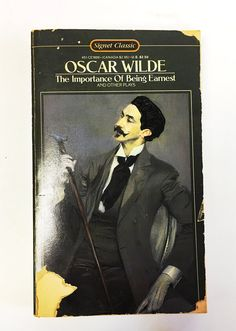 Oscar Wilde. The Importance of being Earnest. Paperback book. Classic literature. Comedy  University college Vintage book. FREE SHIPPING!