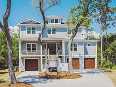 Happening now! Tour this luxurious home today from 11-3pm at our Million Dollar Viewing Party Broker Event! Enjoy rosé and bubbles, bites from Pine Valley Market, live music and $1000 in giveaways. Details in link in profile! 🥂 . .⠀ .⠀ .⠀ .⠀ #tidalwalk #milliondollarlisting #wilmingtonnc #northcarolina #intracoastalwaterway #dreamhome #lifeonthewater #gatedcommunity #waterviews #customhome #luxurylifestyle #beachlife #realestate #coastalliving #luxuryhomes #luxuryrealestate #waterfront…