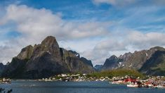 die 100 schönsten Orte mit dem Wohnmobil Lofoten, Vw Bus, Places To Go, Mountains, Water, Travel, Outdoor, Europe, Rv Camping
