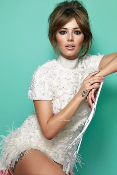 Cheryl Cole - white feathers