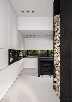 Black and white interiors are an easy way to create contrast within a space. Linked to silver screen icons Marilyn Monroe, Audrey Hepburn and Charlie Chaplin, u