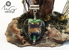 Colgante de Vidrio, Plata de Ley y Pan de Oro 22 kilates. Colección Corazones. Lampwork Beads. Hecho a mano por MALAKAGLASS de MALAKAGLASS en Etsy