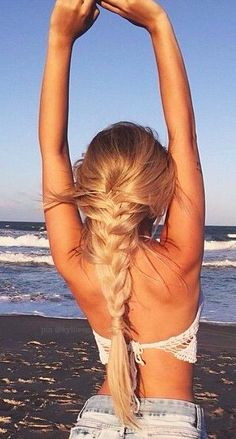 Strandfrisuren 46 The Effective Pictures We Offer You About hair peinados faciles A quality picture Plaits Hairstyles, Summer Hairstyles, Pretty Hairstyles, Hairstyles 2018, Hairstyles Videos, Wedding Hairstyles, Lange Blonde, Beach Hair, Girl Beach