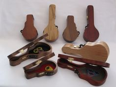 A great way to keep all your picks in one place! The wooden pick cases are available in 3 designs – banjo, guitar and mandolin. Individually
