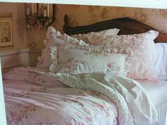 Pretty Bedroom Decor Ideas With Shabby Chic Style -