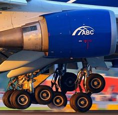 Airplane Pictures - Lovely gears - Air Bridge Cargo 747 freighter