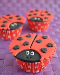Ladybug Cupcakes, Easter Cupcakes, Christmas Cupcakes, Yummy Cupcakes, Snowman Cupcakes, Cupcake In A Cup, Cupcake Birthday Cake, Rose Cupcake, Fondant Cupcake Toppers
