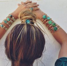 cuff around her bun - love!