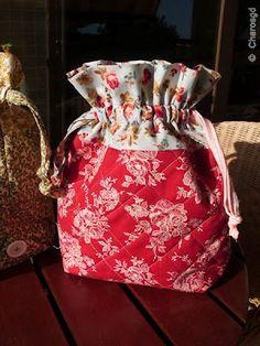 LICENCIA PARA COSER: Tutorial bolsa patchwork por 'Charo's Patchwork'