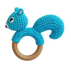 Toys - Squirrel Rattle on Wooden Teething-Ring (Blue-Turquois) Crochet Grasp Toy Crochet Whale, Crochet Baby Toys, Crochet Diy, Crochet Crafts, Hand Crochet, Baby Knitting, Crochet Projects, Handgemachtes Baby, Crochet Mignon