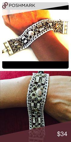 Banana Republic Bracelet Rhinestone and Silver light metal with beautiful closure Banana Republic Jewelry Bracelets