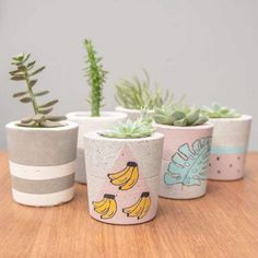 Best 10 Image shared by sincerelylucy. Find images and videos about flower, diy and creative on We Heart It – the app to get lost in what you love. Concrete Crafts, Concrete Planters, Diy Planters, Painted Plant Pots, Painted Flower Pots, Beton Design, Cement Design, Succulent Pots, Rock Crafts