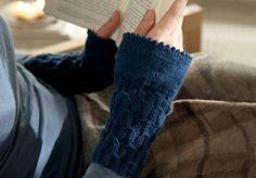 Knitting Patterns Free, Free Knitting, Free Pattern, Crochet Patterns, Knitted Gloves, Fingerless Gloves, Gratis Download, Wrist Warmers, Crochet Poncho