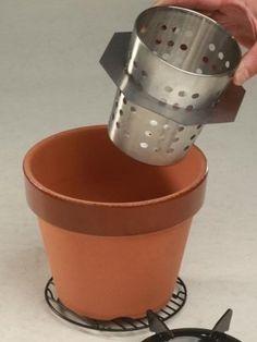 Amazon   七輪より「鉢りん」焚火コンロ6号 もりた式   植木鉢 ウッドストーブ & 燻製 スモーカー   学火舎(まなびや)   スモーカー