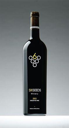 Lo que siempre hemos hablado sobre las etiquetas de las botellas de vino. logo wine