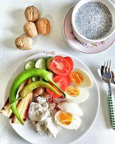 En güzel mutfak paylaşımları için kanalımıza abone olunuz. http://www.kadinika.com Günaydın  Kahvalti --08:15  Bugun kahvaltima chiayida ejledim mukemmel oldu #yasasindiyet#diyetönerileri#diyetteyasaklarahayir#diyetcan#doyadoyazayifla#sunum_sayfasi#gramdiyetim#lezzetlisunumlar#sunumonemlidir#fit#egg#bread#chia #benimkahvaltim #gününkahvaltisi #kahvalti #gramdiyetim #gramkahvalti#mutfakgram#sunum#yasamtarziniz@yasam_tarziniz#good#morning#instagood#instagoods#saglikliyasam#saglik#beslenme…