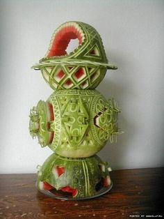 Amazing Watermelon Carving Art Designs/Sculpture - Fruit and Vegetable Carving - Zimbio Watermelon Festival, Watermelon Art, Watermelon Carving, Carved Watermelon, Fruit Sculptures, Food Sculpture, Veggie Art, Fruit And Vegetable Carving, Fruits Decoration