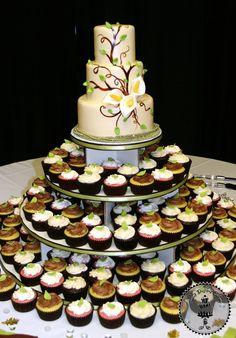 Cala lily wedding cake 320604_209773155747054_6752114_n.jpg (628×900)