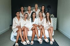 Bride And Bridesmaid Pictures, Wedding Gifts For Bridesmaids, Wedding Bridesmaid Dresses, Robes For Bridesmaids, Bridesmaid Get Ready Outfit, Bridesmaid Getting Ready, Bridal Robes Getting Ready, Wedding Pics, Wedding Ideas