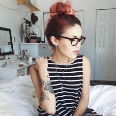 Messy bun and @elizandjames glasses this morning