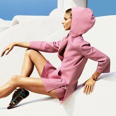 Auf dem aktuellen BAZAAR-Cover macht Anna Selezneva eine perfekte Figur. Kein Wunder – Sie gehört zu den erfolgreichsten Models der letzten zehn Jahre. Wer sie ist und woher sie kommt, zeigen wir euch hier: http://www.harpersbazaar.de/anna-selezneva.html?return_path=node/10000