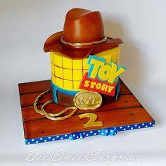Bolo para o tema Toy Story por DeesSweetSurprises