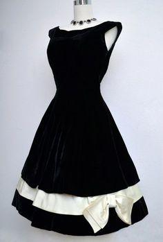 vintage black velvet dress black amp by vintagedevotion - PIPicStats 50s Dresses, Trendy Dresses, Cute Dresses, Vintage Dresses, Vintage Outfits, Short Dresses, Elegant Dresses, Evening Dresses, Retro Mode