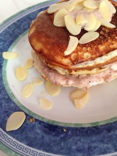 banana pancakes with strawberries and almonds