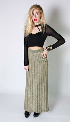 Designer Anne Klein created this gold and silver high-waisted vintage maxi skirt in the Eighties, that is polished and perfect. #eightiesfashion #highwaisted #80sgold
