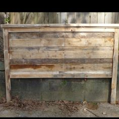 Pallet headboard. I love the white wash look. 1 inch paint to 1 1/2 inch water would do the trick.
