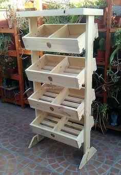 This is beautiful wood pallets storage as well as fruit rack crafted with reused pallet wood. We have artistically designed this project to provide your home as well as fruit store a wonderful wooden product for displaying fruits and vegetables in it.
