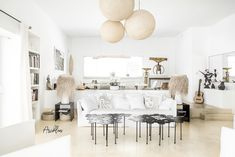 PURE HOUSE IBIZA is an amazing Boutique and Lifestyle Hotel in Ibiza island in Spain. Just a Paradise if you asking from me. Ibiza Style Interior, Style Ibiza, Hotel Ibiza, Small Room Design, Studio Living, Ibiza Fashion, Natural Home Decor, Vintage Stil, Living Room Remodel