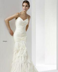 vestido-novia-corte-pegado-cuerpo-cabotine-2012