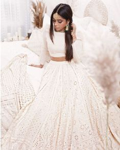 indian designer wear Check out these Fantastic International Designer Collections that have launched in the recent past. Some gorgeous chikankari lehengas, blouse designs & Indian Fashion Dresses, Indian Bridal Outfits, Dress Indian Style, Indian Designer Outfits, Designer Dresses, Bridal Dresses, Indian Lehenga, Lehenga White, Indian Gowns