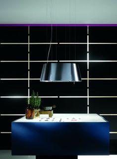 De Twin uit de Elica Collection is een uitstekend alternatief voor 2 x een Platinum uit dezelfde serie.  Het is een stille en krachtige afzuigkap. Vooral in combinatie met een extra lange kabelset van 5 meter is hij erg geschikt voor toepassing aan zeer hoge plafonds.  Dit model wordt exclusief door aXiair geïmporteerd en geleverd onder het Elica label. www.axiair.nl   info@axiair.nl
